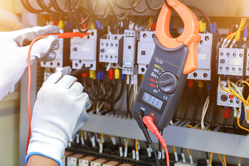 How To Become An Electrician in Peterborough Cambridgeshire